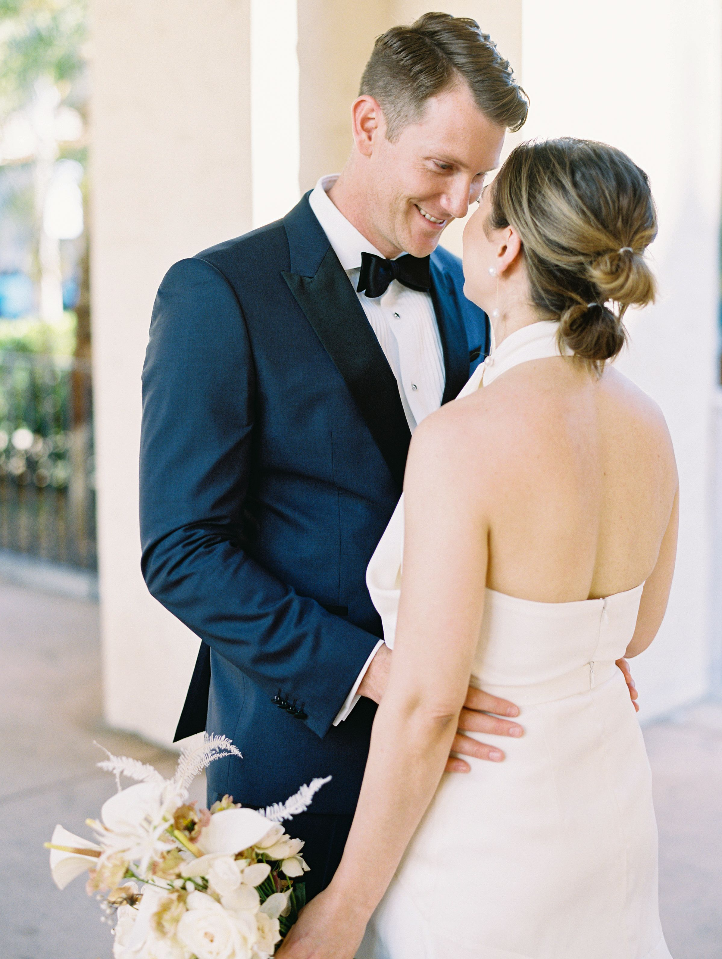 Danyelle And Taylor S Modern Wedding At The San Diego Museum Of