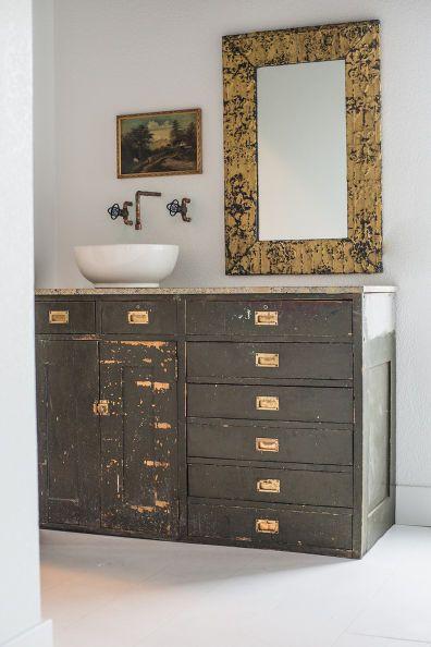 Farm Industrial Style Bathroom Remodel Moderne Badezimmermobel Waschbeckenunterschrank Tolle Badezimmer
