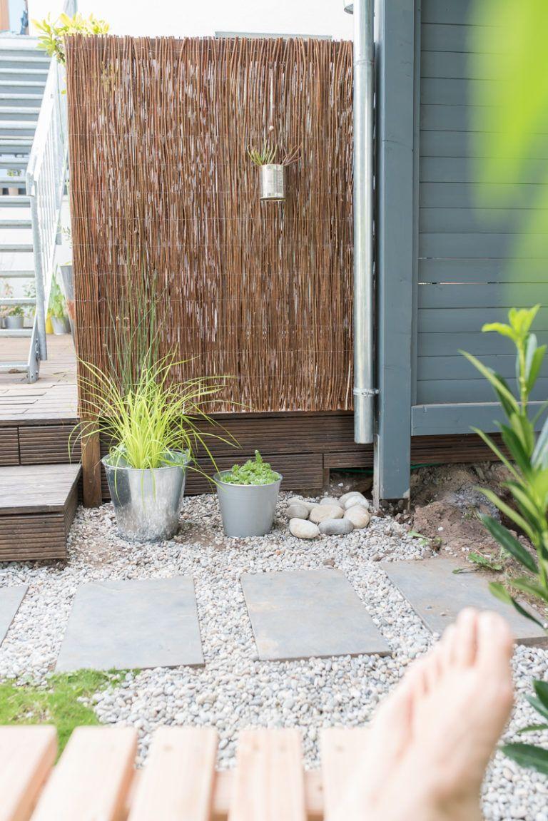 Diy Sichtschutz Aus Einer Weidenmatte Fur Den Garten