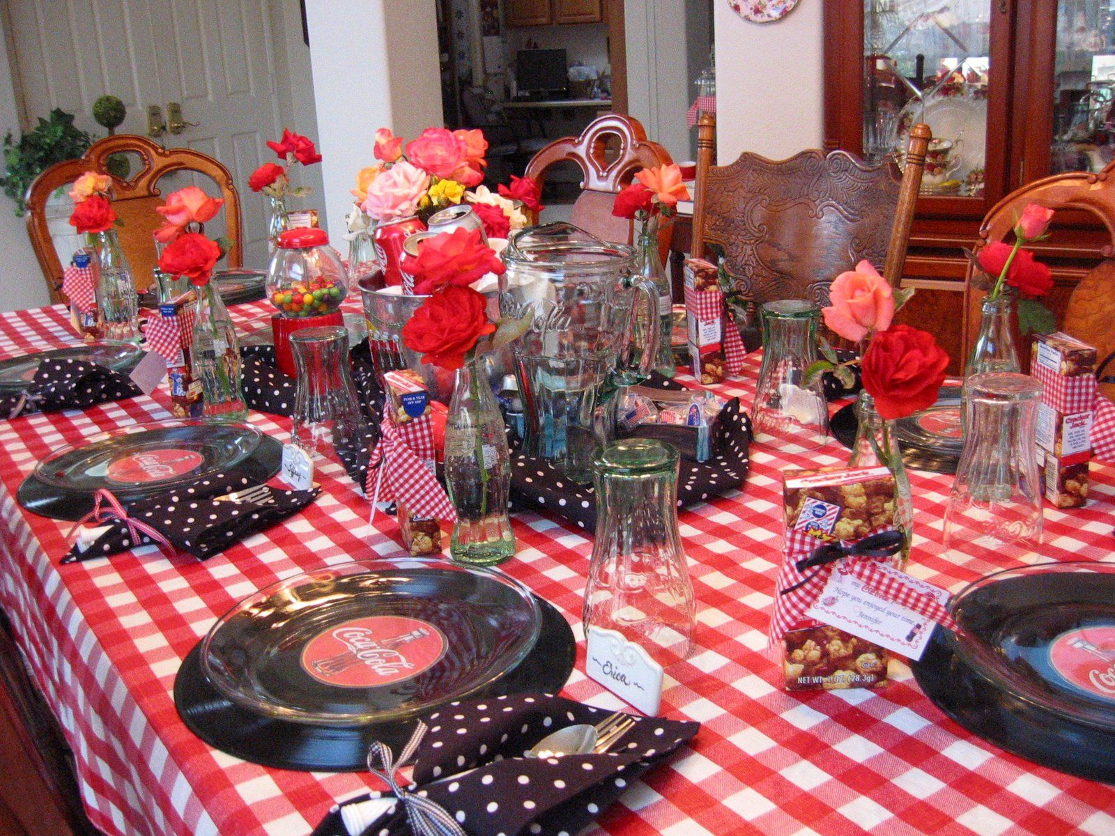 Coca cola table love this i did something similar to for Home sweet home party decorations
