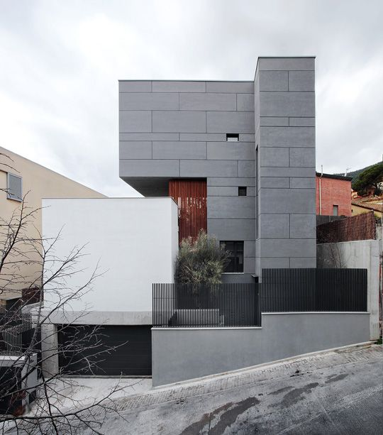 Emiliano López & Mónica Rivera: Studio house in Barcelona