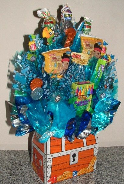 JAKE and the Neverland PIRATES Candy Bouquet Centerpiece! Loaded w/ Edible Party Favors to Pass Out and a 3D Skully! LollyPop w/ Name