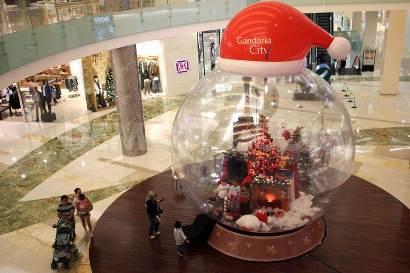 Jakarta Malls Decorated For Upcoming Christmas Celebrations Trang Tri