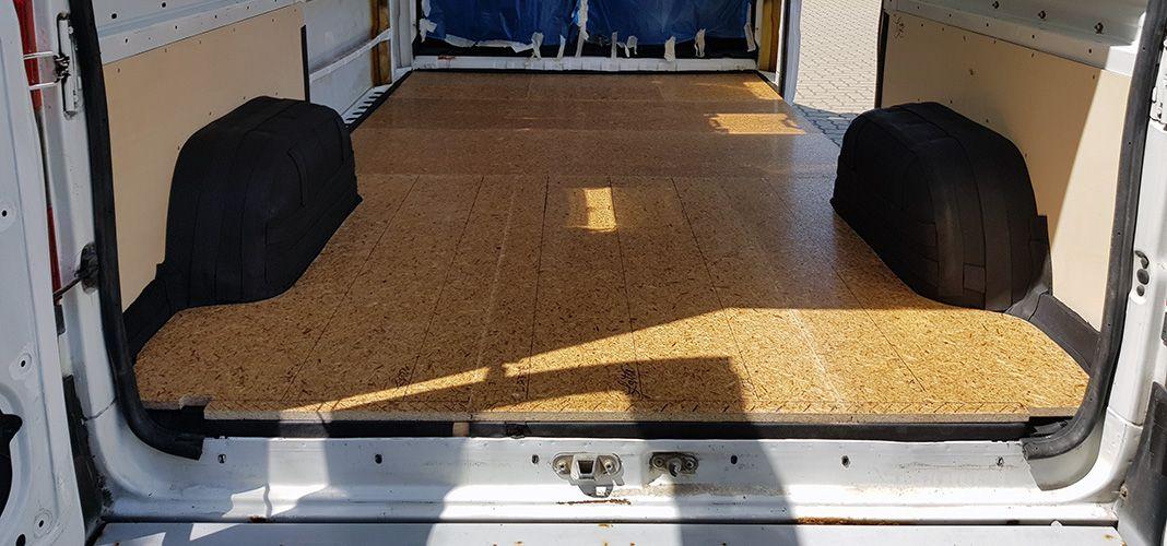 Houston We Have A Boden Vanarang De Wohnmobil Selbstausbau Holzlatten Laderaum