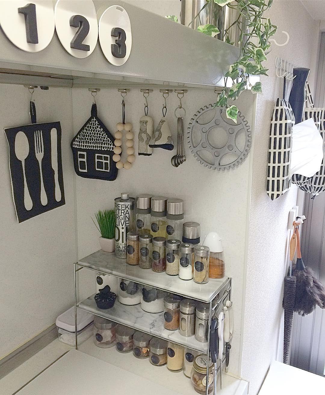 毎月更新 突っ張り棒を使った収納アイデア 実例集 棚 キッチン 洗面所 収納 アイデア 収納 なべ敷き
