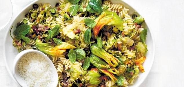 Full of folate and potassium-rich greens, this pasta dish is a tasty and simple way to stock up on the good stuff.