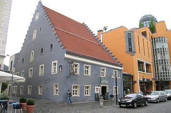"""Wirtshaus """"Zum Geiss""""- Das im Jahr 1462 erstmals erwähnte Wirtshaus """"Zum Geiss"""" gilt als das älteste Gasthaus von Straubing."""