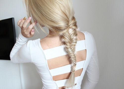 Image via We Heart It #aesthetic #blonde #clothes #dress #dresses #fashion #girl #girls #hair #moda #nailart #nails #outfit #outfits #pale #ropa #style #white #cabello #peinados #kawaiigirl #kawaiigirls #perfect