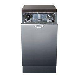 un lavavajillas gris que está en la cocina cerca de a el
