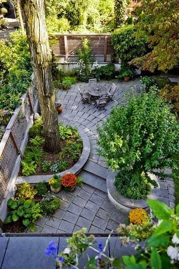 42 Ideas For Small Gardens Balconies, How To Start A Garden In Small Backyard