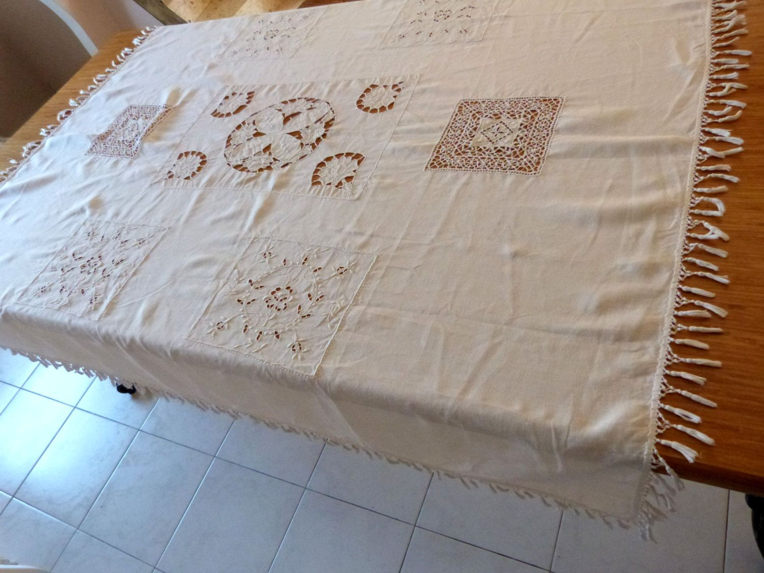 Arts and crafts table linens - Antique French Richelieu Lace Tablecloth Handworked Floral Needle Lace W Drawnwork White Lace Table Cloth French Table Linens Arts And Craft