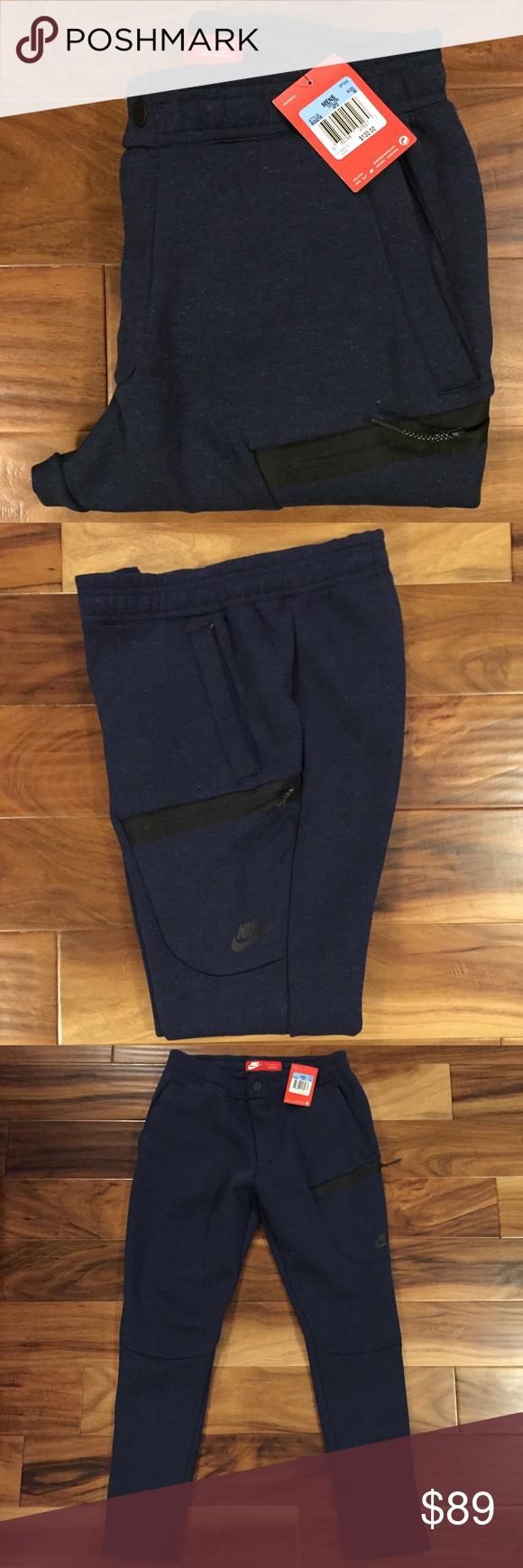 **SOLD** Nike Sportswear Tech Fleece Sweatpants Fleece