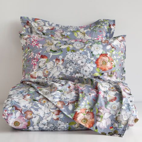 Biancheria da letto motivi floreali biancheria da letto for Camere da letto basso costo