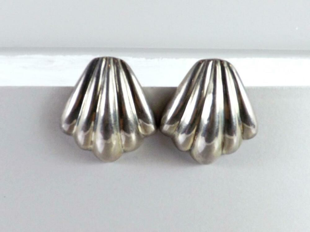 Vintage Mexico 925 Sterling Silver Ribbed Seashell Design Ring Size 6.5