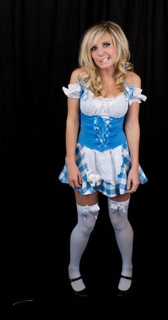 Jessica Nigri Normal Clothes 18219 | ENEWS