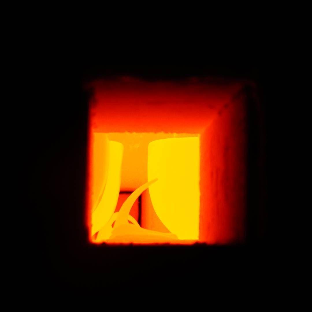 """Óptimo en Instagram: """"Cocción de alta temperatura del Tazón Térmico de porcelana fina MAGNO, perteneciente a la Línea de Contenedores Térmicos """"Cómodo"""" @optimodesign #diseño #ceramica #porcelana #cuenco #taza #design #ceramic #porcelain #bowl #mug"""""""