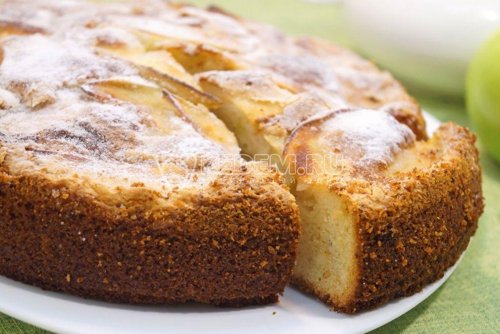 Шарлотка с яблоками | Рецепт | Идеи для блюд