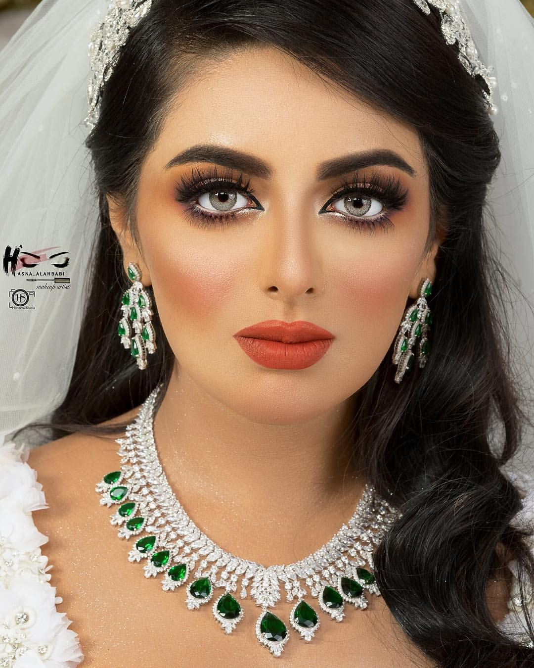 Pin By Nskhaty On ميك اب Simple Makeup Makeup Store Makeup