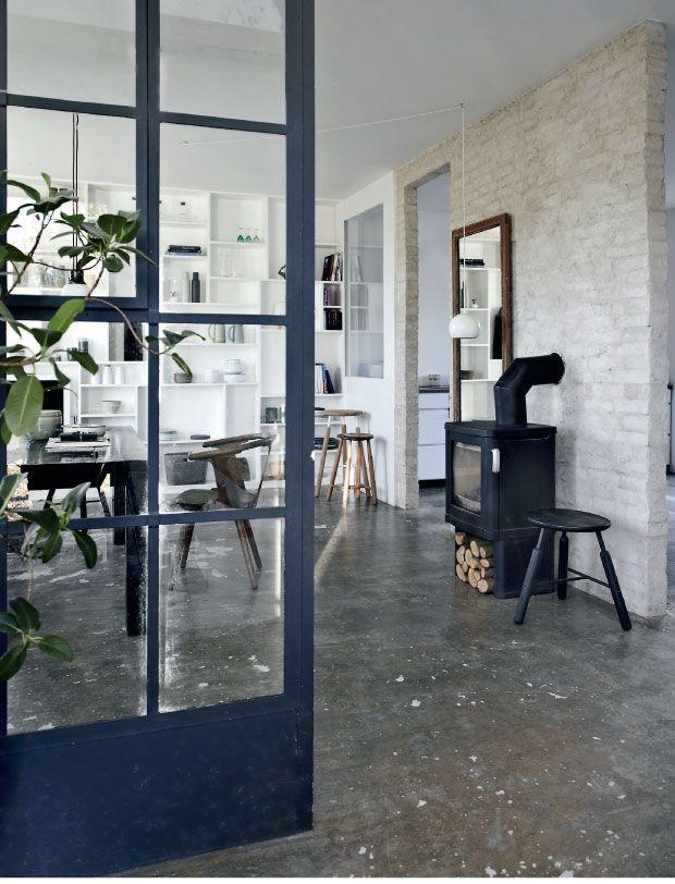 Binnenkijken bij Fred | Dark interior | Pinterest - Deuren ...