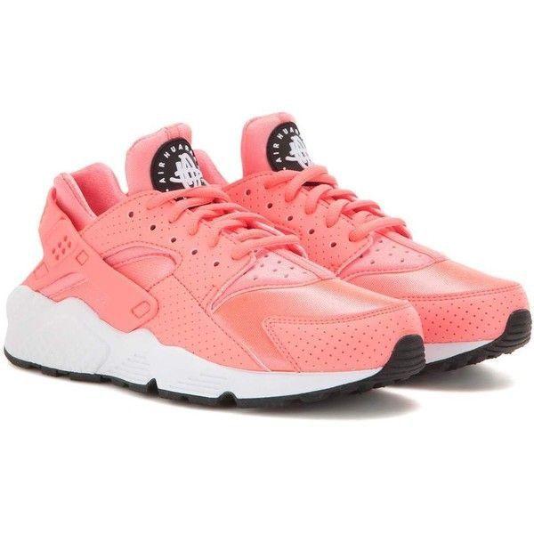 714aace7ace2 Air Huarache Run pink sneakers