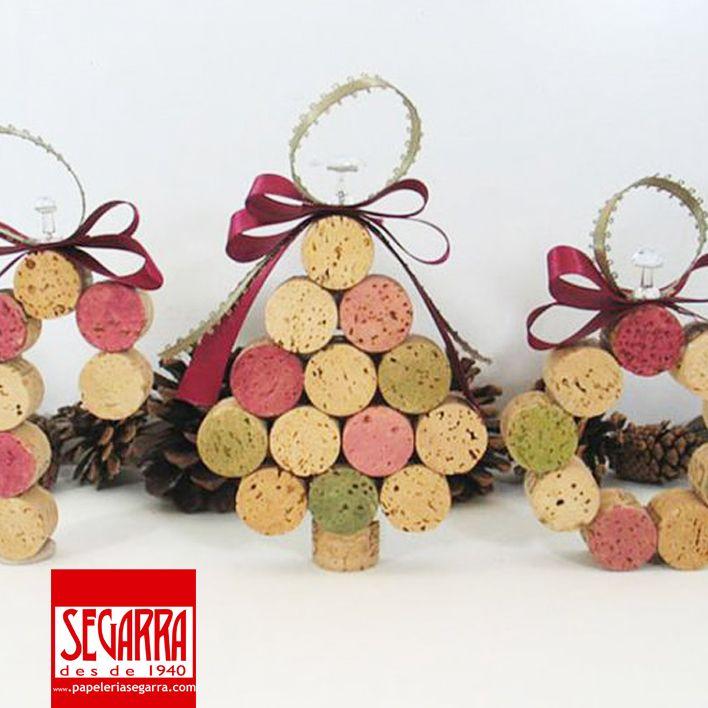 ideas para crear adornos de navidad caseros (22 fotos) + info: http://papeleria-segarra.blogspot.com.es/2013/12/manualidades-ideas-para-crear-adornos.html
