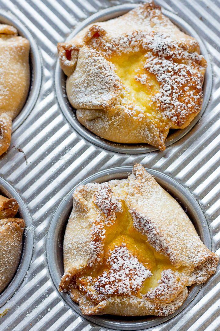 Soffioni Abruzzesi (Sweet Ricotta Pastries) - Lavender & Macarons
