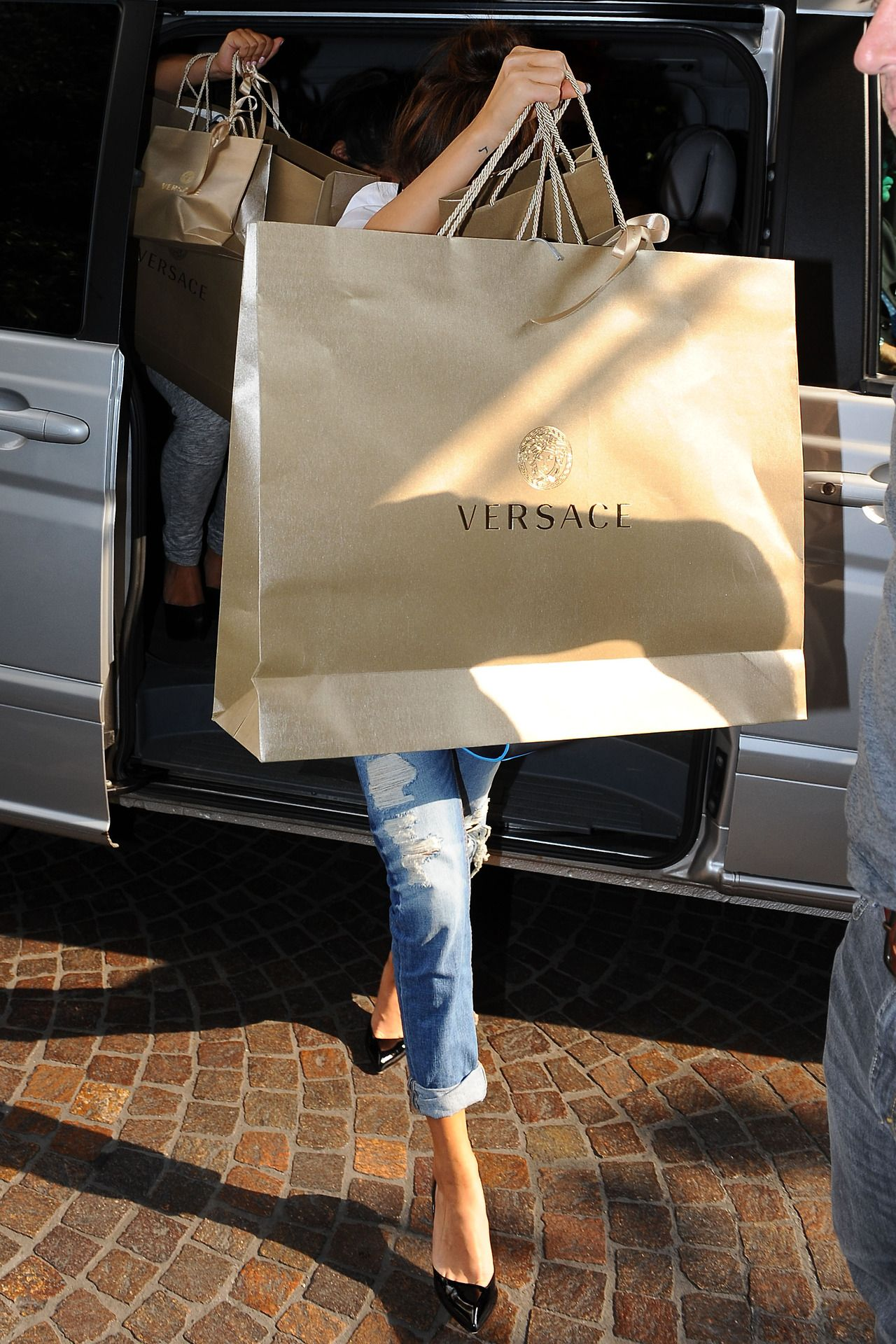 How Glamourous To Go On A Shopping Spree That Needed This Big Of A Versace Bag Fashion Shopping Versace