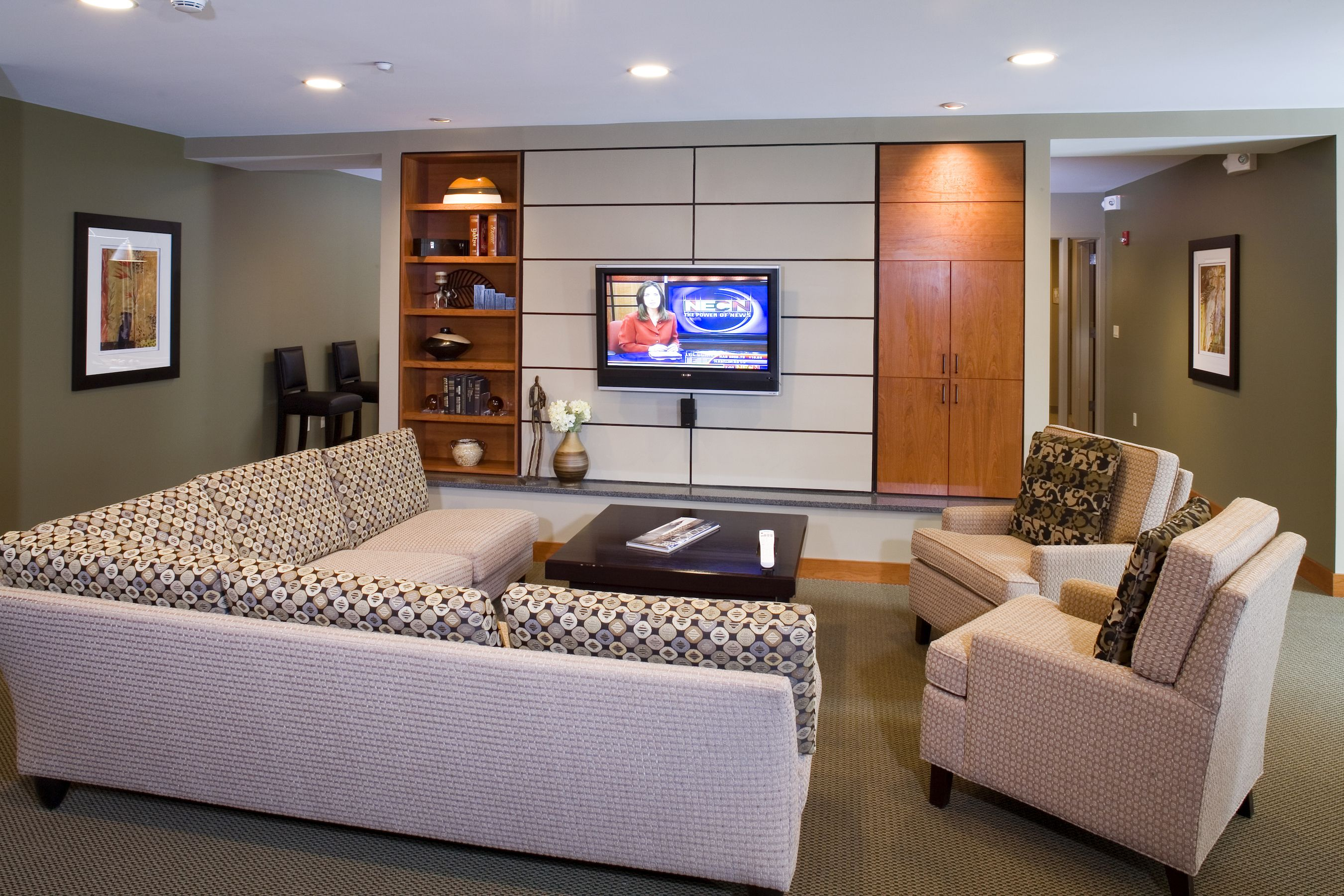 Cozy resident lounge, perfect for watching the #RedSox at Station ...