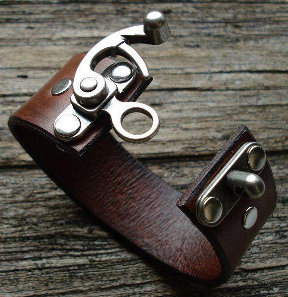 Photo of Customizable leather swing closure cuff