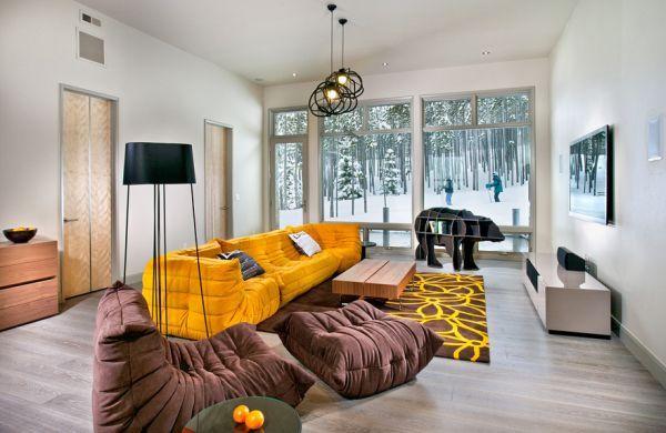 Vier Jahrzehnte Luxus Die Design Ikone Togo Sofa in zeitgemäßen - wohnzimmer deko gelb