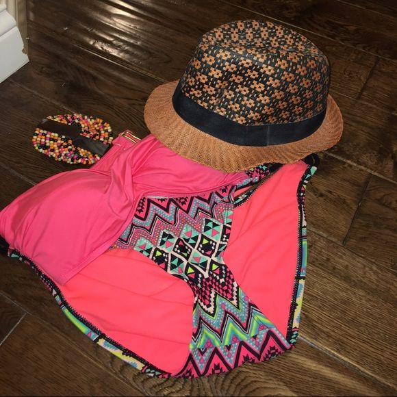 Fedora Hat NWOT. Great condition. Brand name for advertising only. Sold cheaper on m.e.r.c.a.r.i. Username @StyleByRenni Free People Accessories Hats