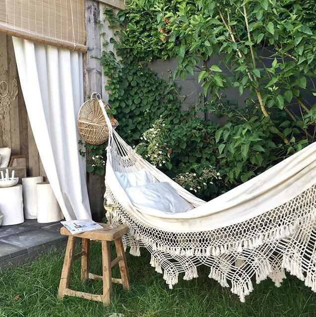 le tr s beau hamac suspendu chez dudes dutch design esprit boh me en dentelle et macram. Black Bedroom Furniture Sets. Home Design Ideas