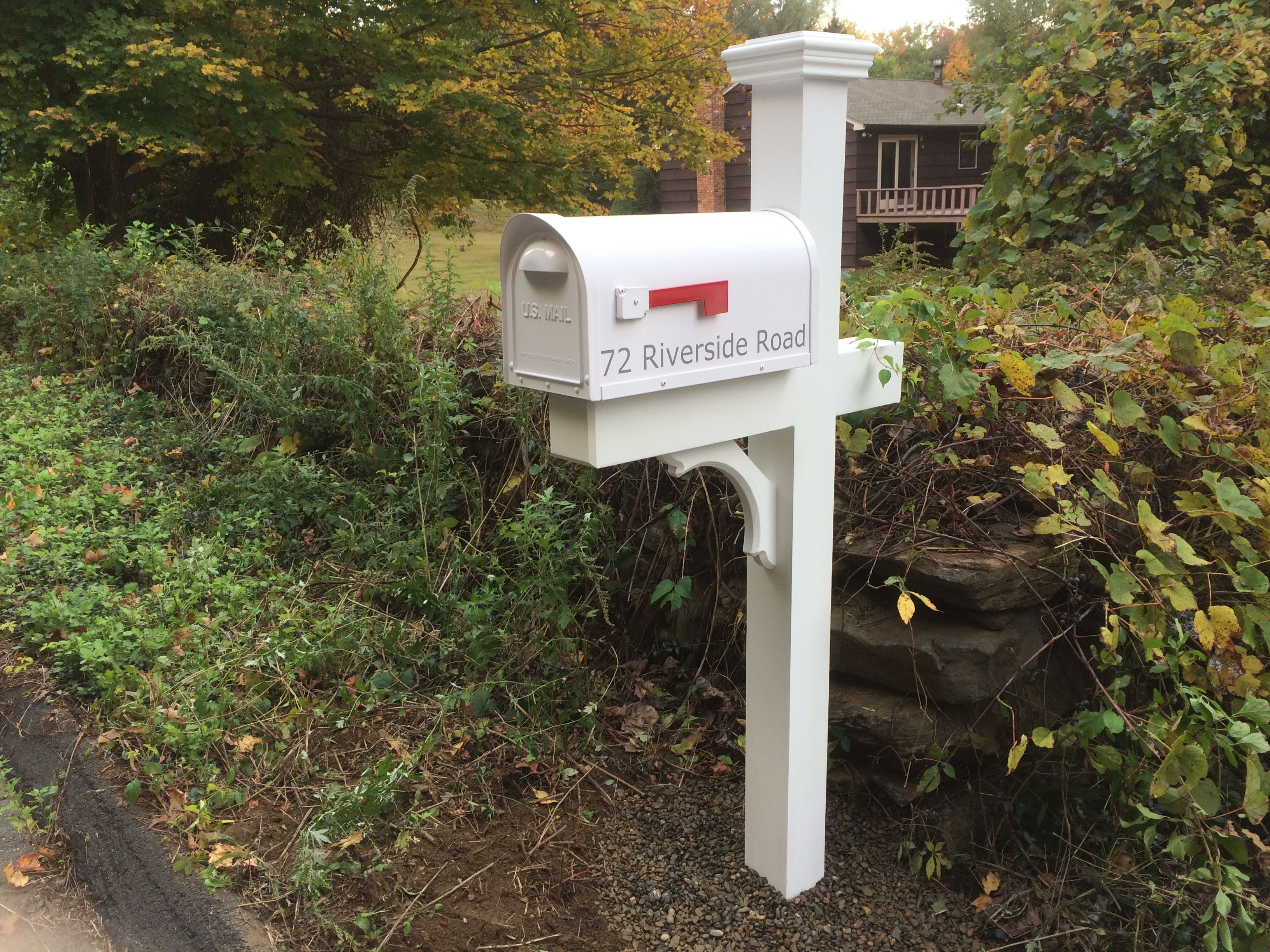 Our 5 X 5 Cedar Post With A Classic White Mailbox And Over Sized Cap White Mailbox Cedar Posts Mailbox