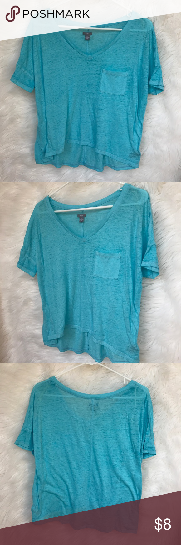 Aerie V-Neck Pocket T-Shirt Aerie Light Blue V-Neck Pocket T-Shirt. T-Shirt is a size extra small. It has only been worn a few times and is still in excellent condition! Shirt is a very light material that is perfect for summertime! Open to offers! 🌸 aerie Tops Tees - Short Sleeve