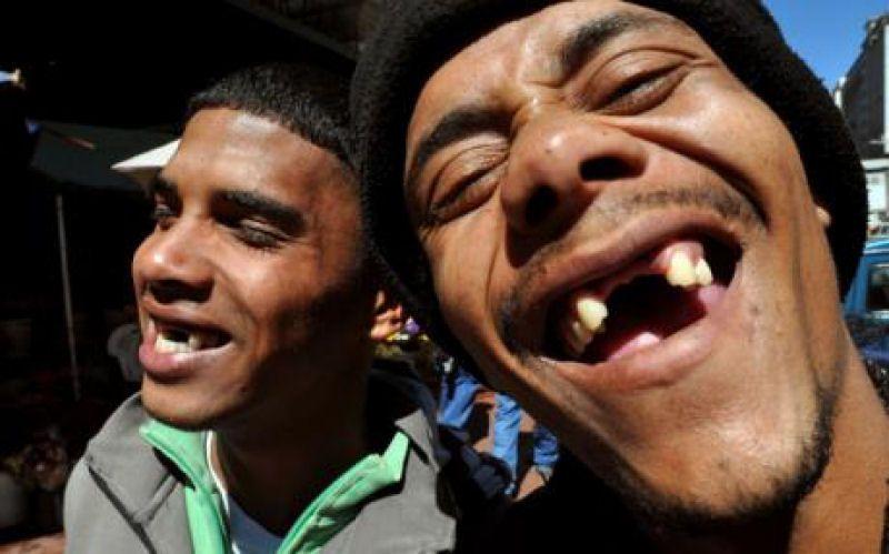 Resultado de imagem para sorrisos engraçados