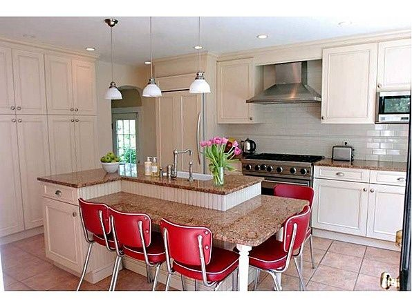 Awesome Kitchen Island Idea You Really Don T Need A Separate Kitchen Table With This Kind Of Kitchen Island Table Kitchen Island With Seating Kitchen Design