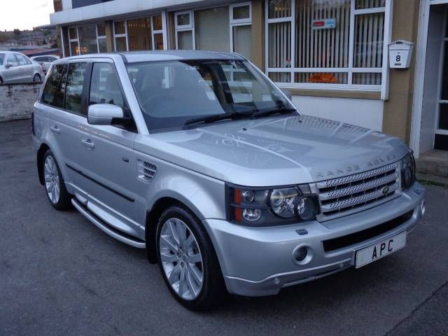 2005 Range Rover Sport 2.7 TDV6 HSE auto estate. Silver. FSH. Click on pic shown for loads more.