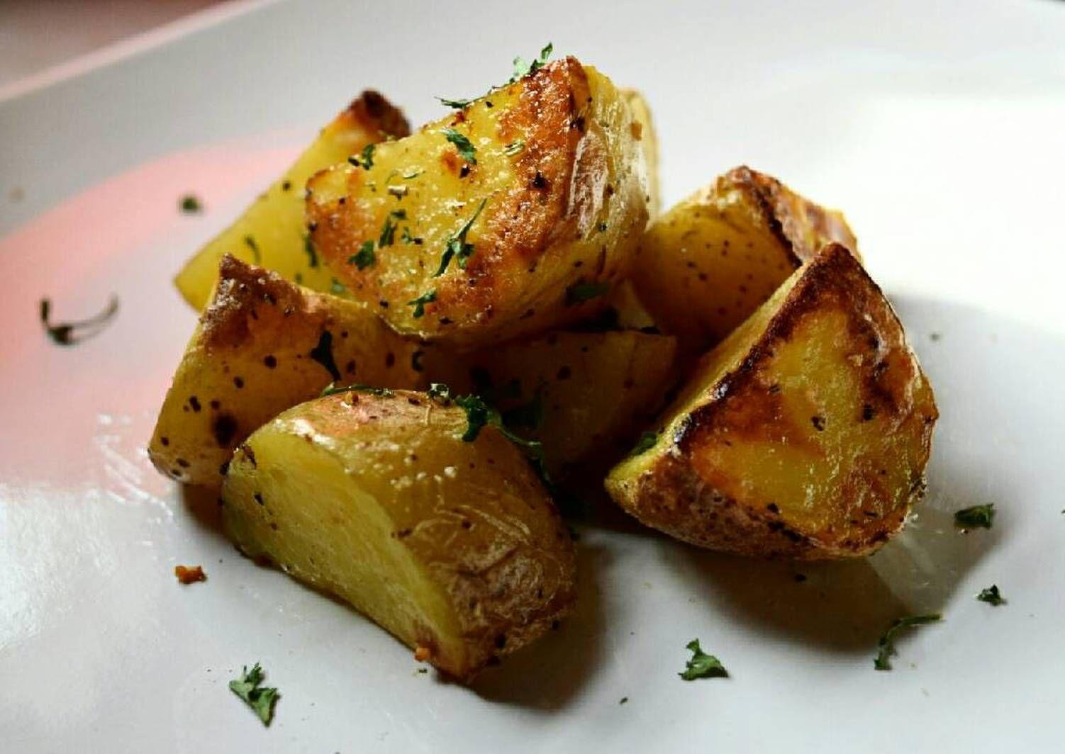 Roasted Yellow Potatoes   Recipe in 2020   Roasted yellow ...