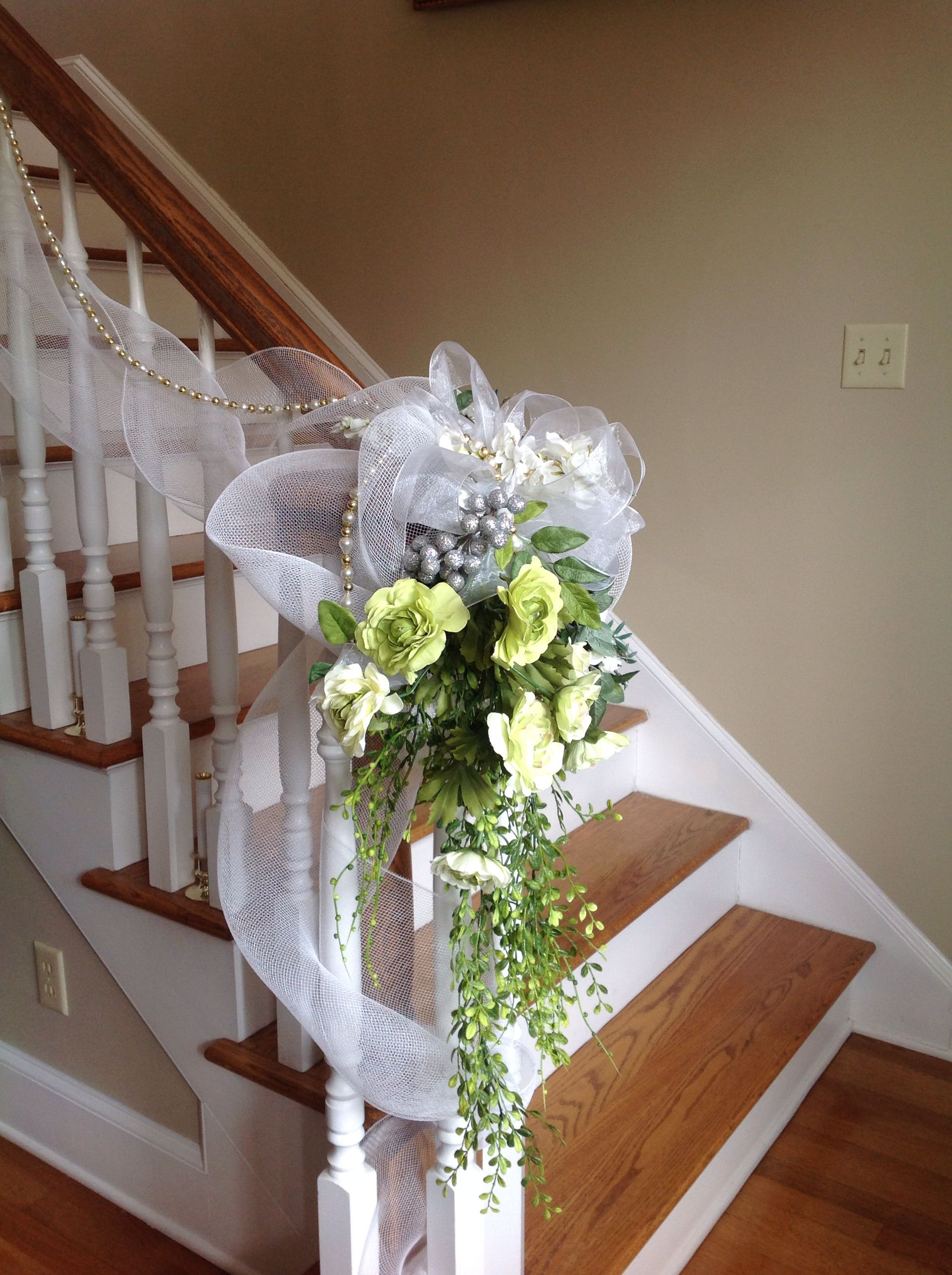 Floral arrangement for staircase. Wedding staircase