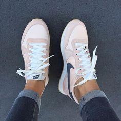 Auf unserem Sneakerblog bleibst du up-to-date was neue Sneaker-Releases angeht! Du findest auch genug andere News und kannst dich inspirieren lassen. Wir ... #shoeboots