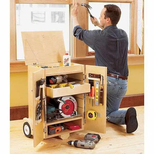 Downloadable Woodworking Project Plan to Build Go-Anywhere Tool Caddy #woodworkingprojectschair