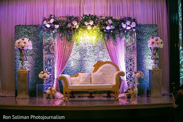 Delightful Indian Wedding Reception Stage Decor Https Www Maharaniweddings
