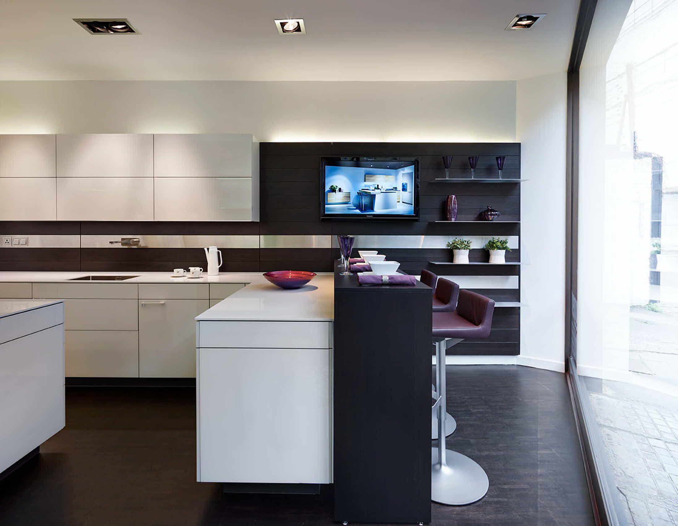 Poggenpohl Kitchen Studio Ultimate Kitchens - Interior Shot +ARTESIO ...