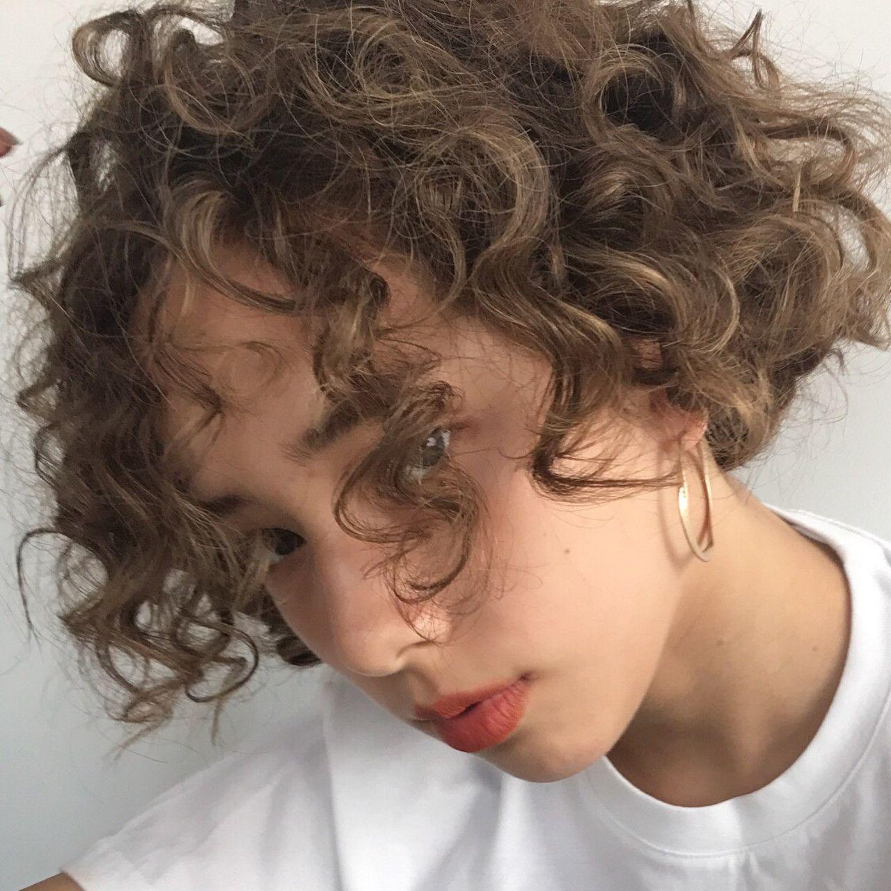 ヘアアレンジ ショート パーマ スポーツ Nanuk渋谷店 ナヌーク 高橋 忍 466878 Hair ショート パーマ ウェービーヘア パーマ