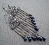 Za błękitną zasłoną  Draht-, Ketten- und Perlenohrringe. Ich mag die Farbe …