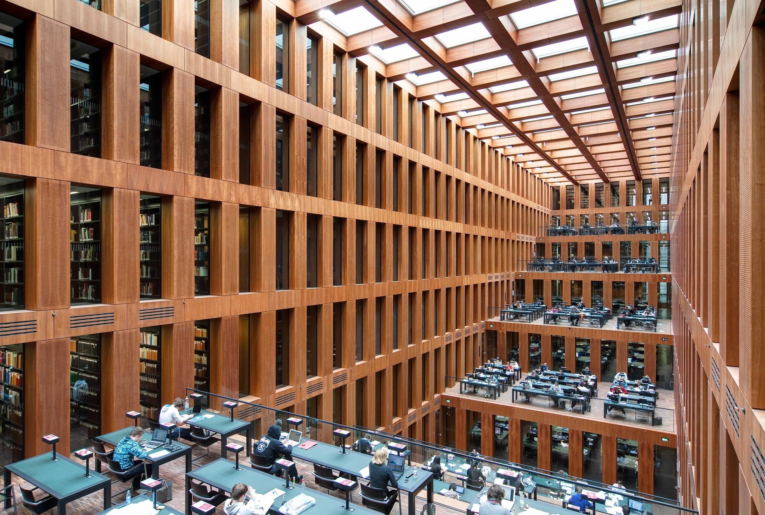 Universidade De Humboldt Berlin Alemanha Com Imagens