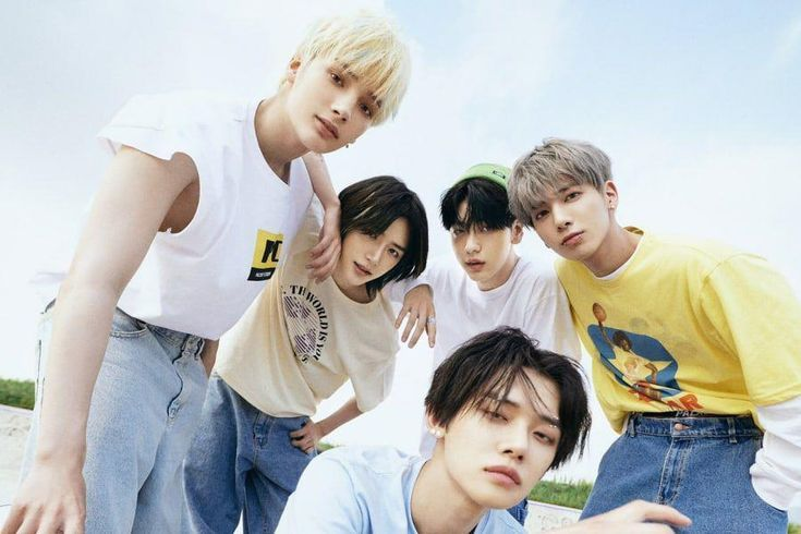 """TXT Re-Enters Top 10 Of Billboard 200 With """"The Chaos Chapter: FIGHT OR ESCAPE"""" + Becomes 3rd K-Pop Act To Make Top 10 Twice"""