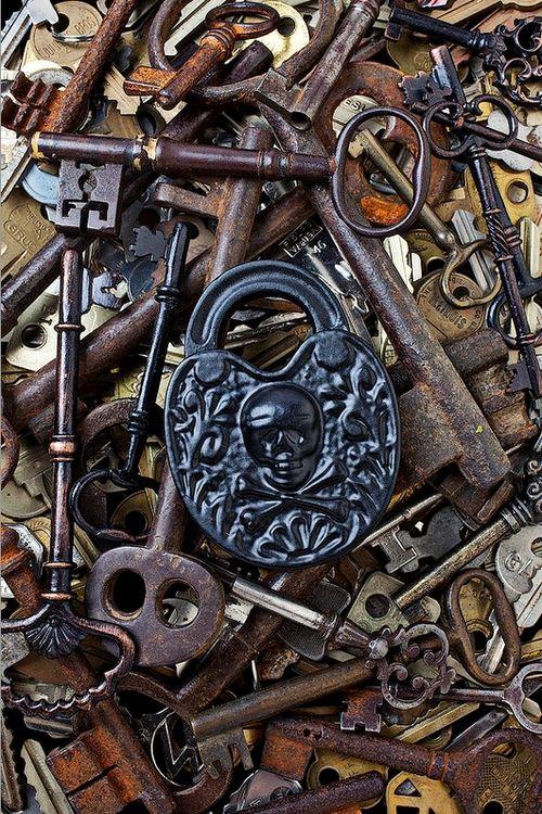 pingl par shauna diamond sur lock key pinterest cl s serrure et clefs. Black Bedroom Furniture Sets. Home Design Ideas