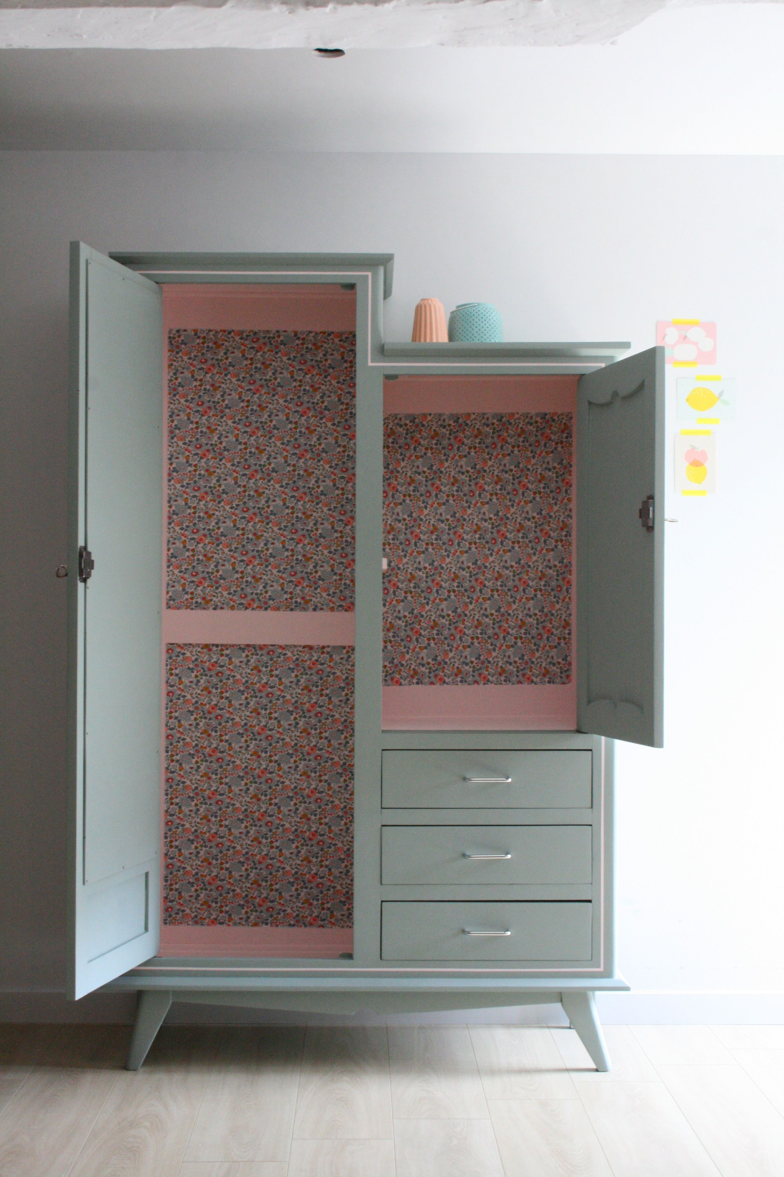 armoire vintage r nov e et relook e par les jolis meubles interior pinterest relooker le. Black Bedroom Furniture Sets. Home Design Ideas