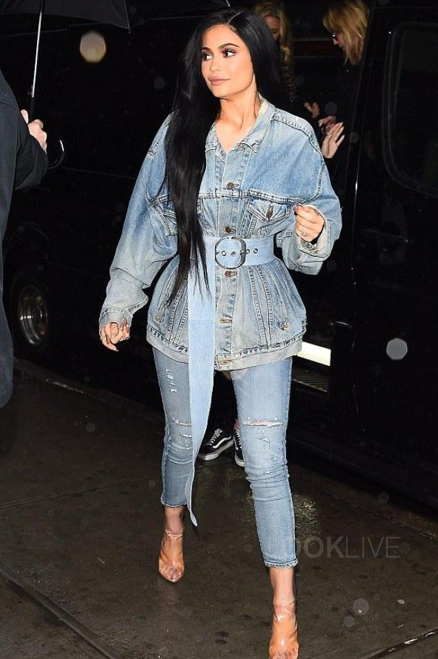 f71f16f9078f4 Kylie Jenner wearing Levi s Denim Jacket